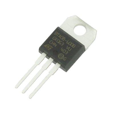 Triac BTB08 voor besturingselektronica